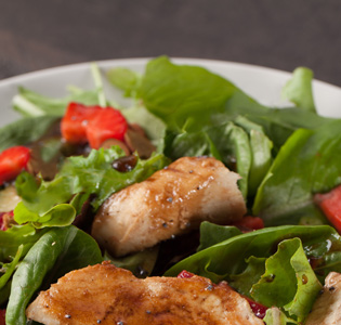 Baby Spinach and Strawberry Salad with Dressing