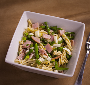 Cold Fusilli Egg with Asparagus